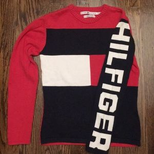 Vintage Tommy Hilfiger Spell Out Pullover Sweater